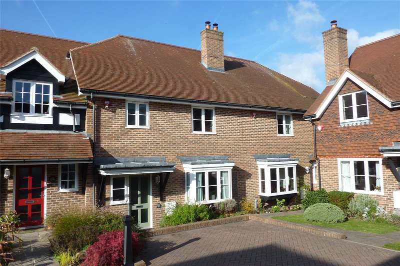 3 Bedrooms Cottage House for sale in Luggs Close, Billingshurst
