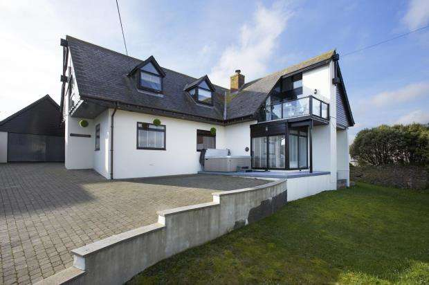5 Bedrooms Detached House for sale in Elkins Hill, Brixham, Devon