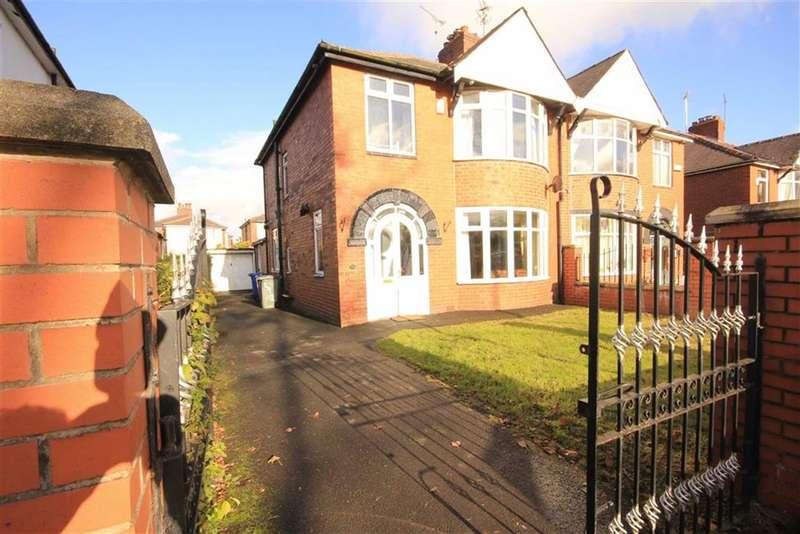 3 Bedrooms Property for rent in Edenfield Road, Norden, Rochdale