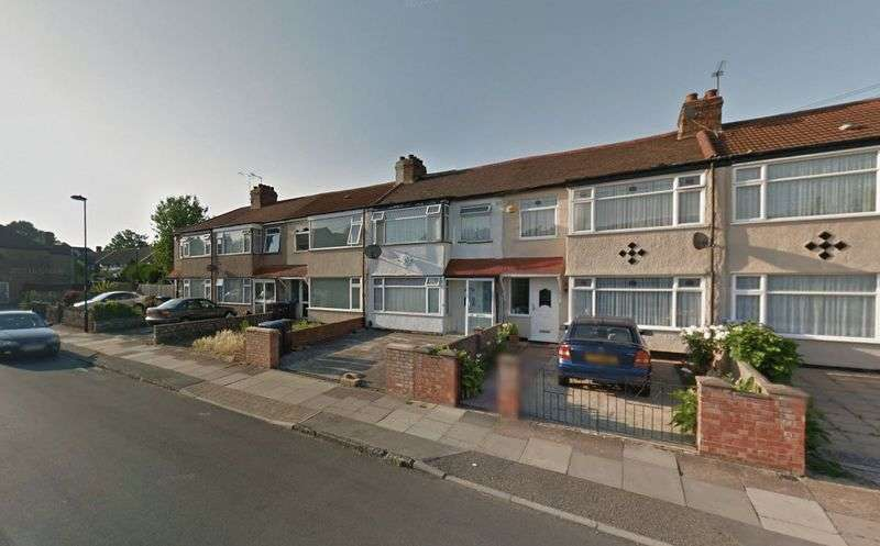 3 Bedrooms Terraced House for sale in Garfield Road, Enfield EN3