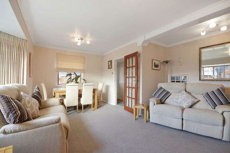 3 Bedrooms Semi Detached House for sale in Parkwood Close, Nork Banstead
