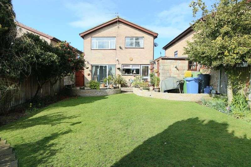 4 Bedrooms House for sale in Woods Loke West, Oulton Broad
