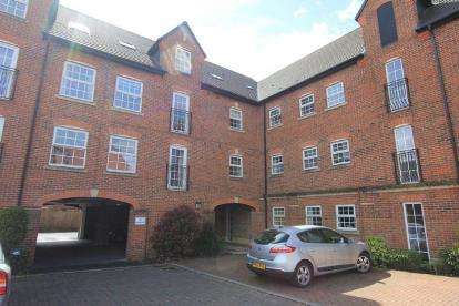 1 Bedroom Flat for sale in Cordwainers Court, Buckshaw Village, Chorley, Lancashire