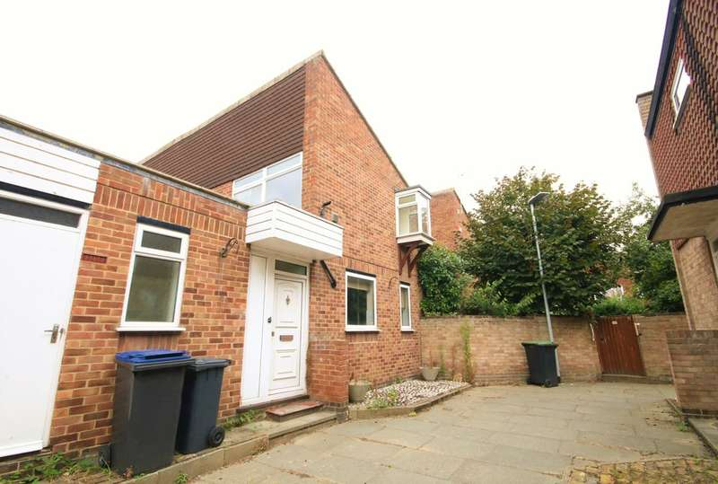 3 Bedrooms Semi Detached House for sale in Green Cloth Mews, Canterbury