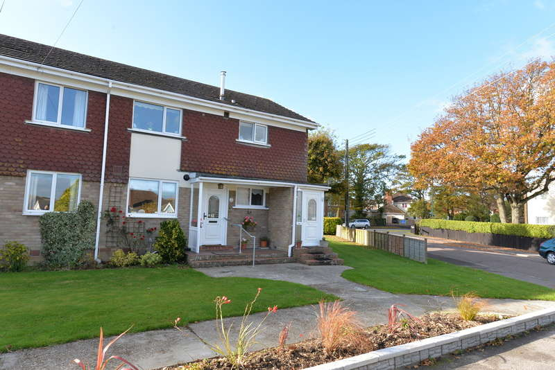 2 Bedrooms Ground Flat for sale in Newlands Road, New Milton