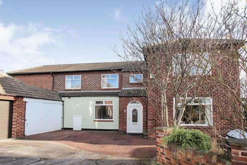 3 Bedrooms Detached House for sale in Easson Road, Redcar