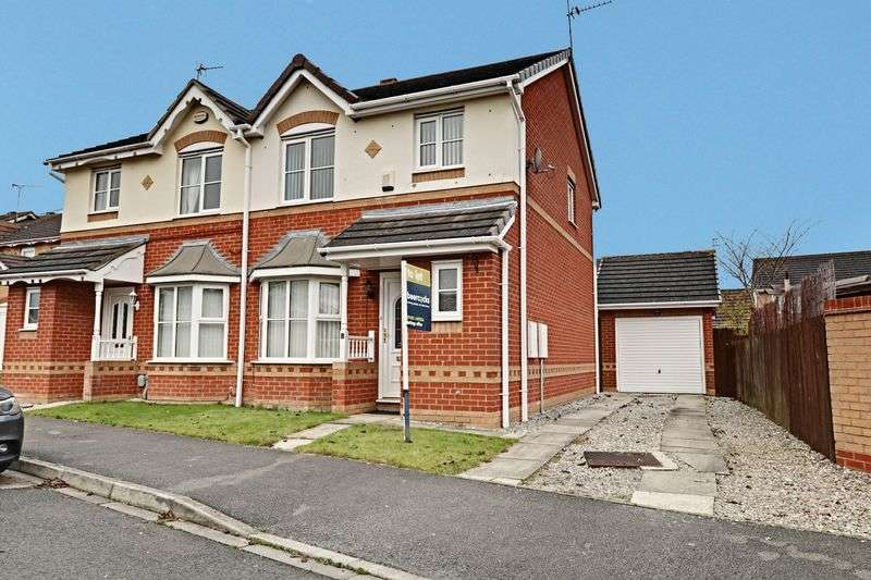 3 Bedrooms Semi Detached House for sale in Harlequin Drive, Kingswood