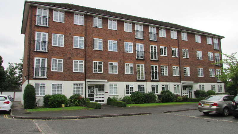 2 Bedrooms Apartment Flat for sale in St Peters Way, Montpelier, Ealing Broadway