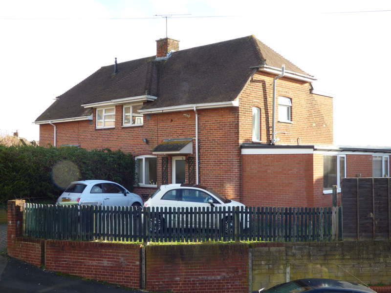 5 Bedrooms Semi Detached House for sale in Portal Road, Bar End