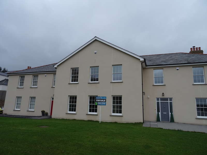 4 Bedrooms Town House for sale in Cyfarthfa Court, Gwaelodygarth Lane