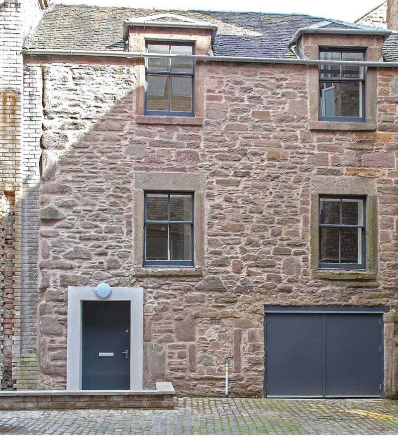 2 Bedrooms Town House for sale in Irvine's Square, Dundee