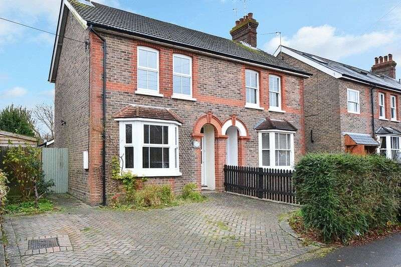 3 Bedrooms Semi Detached House for sale in Western Road, HAYWARDS HEATH