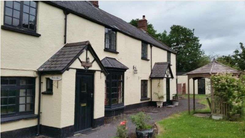 5 Bedrooms Property for sale in Station Road, Tiverton