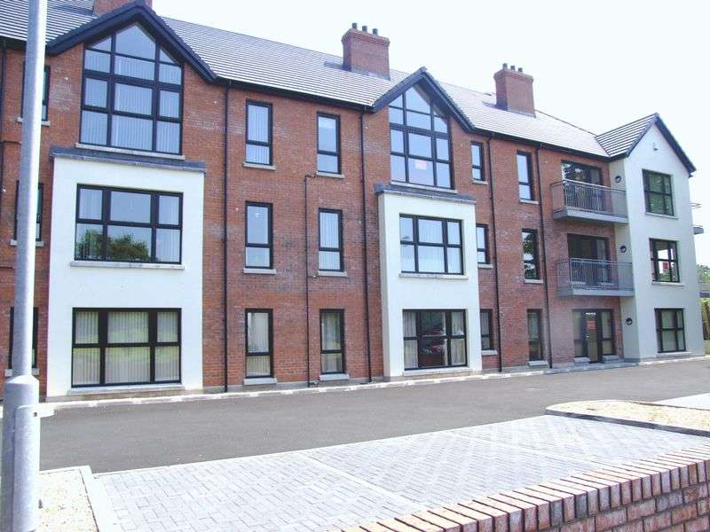 2 Bedrooms Flat for sale in Buskin Place, Carrickfergus
