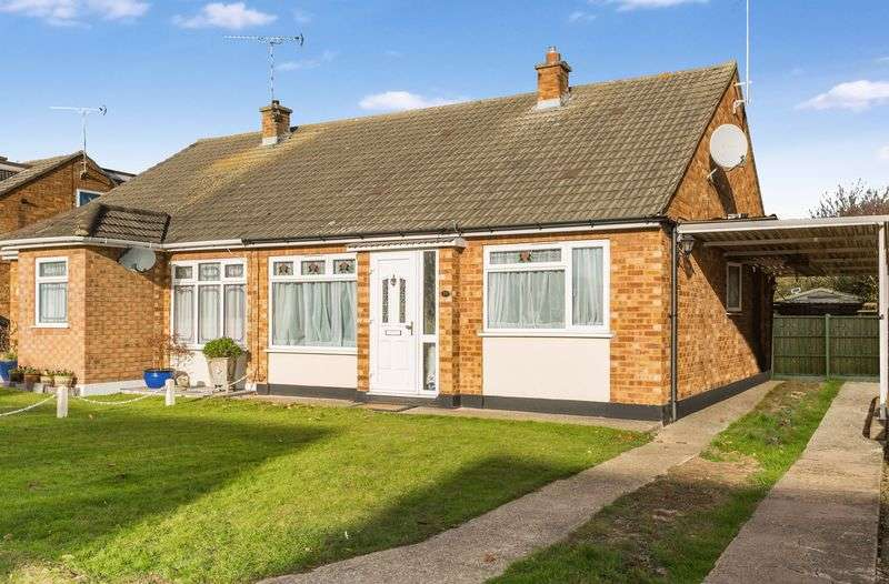 2 Bedrooms Semi Detached Bungalow for sale in Thorpedene Avenue, Hullbridge