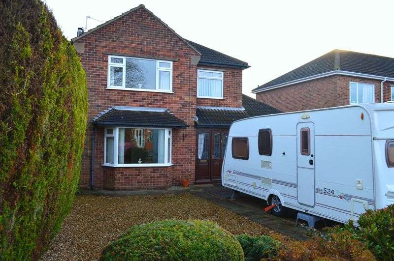 3 Bedrooms House for sale in Hykeham Road, Lincoln