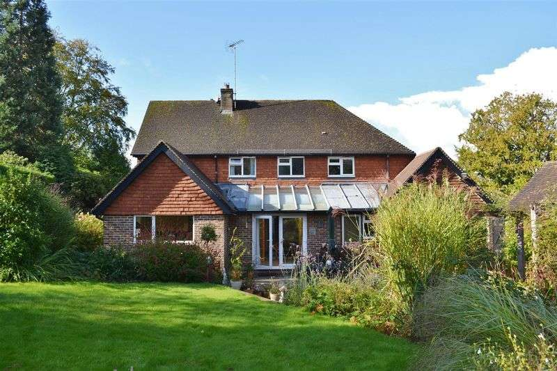 5 Bedrooms Detached House for sale in Chapel Lane, Forest Row