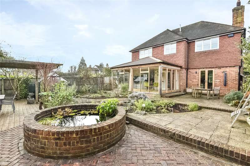 4 Bedrooms Detached House for sale in Crowborough Hill, Crowborough