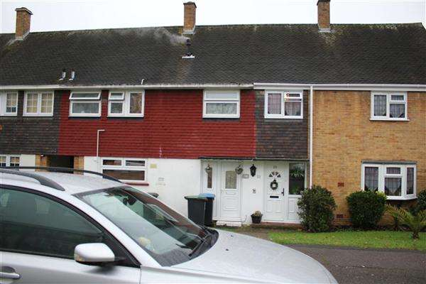 3 Bedrooms Terraced House for sale in Wetherby Road, Enfield