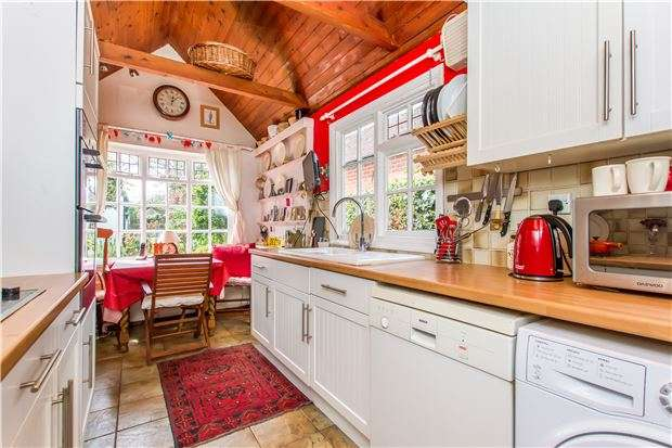 4 Bedrooms Detached House for sale in Brewers Court, Winsmore Lane, Abingdon, Oxon, OX14 5BG