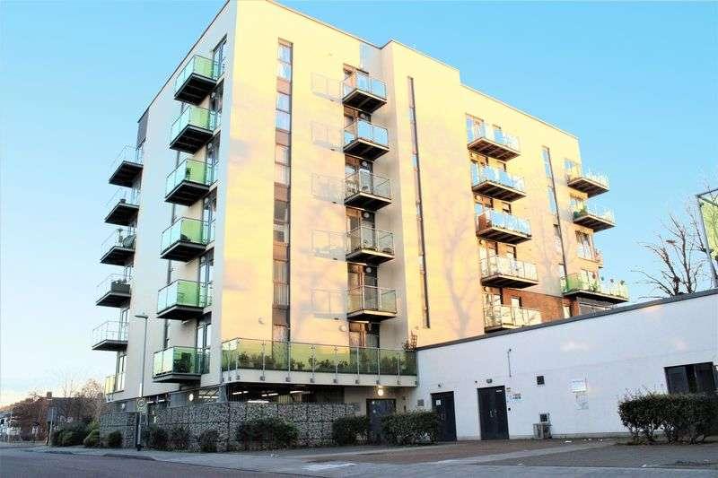 2 Bedrooms Flat for sale in Academy Way, Dagenham