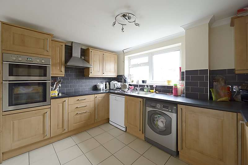 3 Bedrooms End Of Terrace House for sale in Corwen Road, Reading, Berkshire, RG30