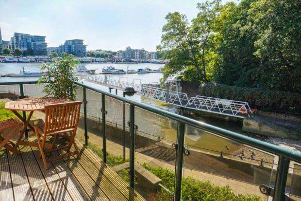 2 Bedrooms Apartment Flat for sale in Broomhouse Dock, Carnwath Road, London, SW6