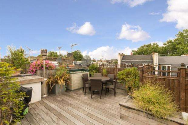 2 Bedrooms Apartment Flat for sale in Emperors Gate, London, SW7
