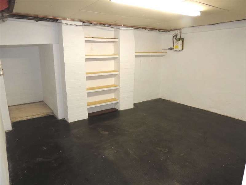 3 Bedrooms Property for sale in West Street, DUKINFIELD