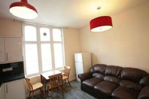 3 Bedrooms House Share for rent in F1 16a Waterloo Street, Clifton, Bristol, BS8 4BT