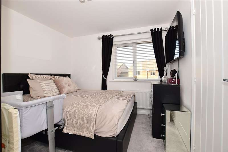2 Bedrooms End Of Terrace House for sale in Durrell Dene, Dartford, Kent