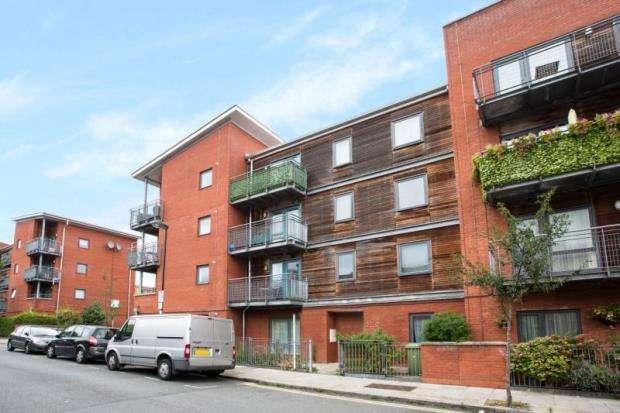 2 Bedrooms Maisonette Flat for sale in Havelock Street, London, N1