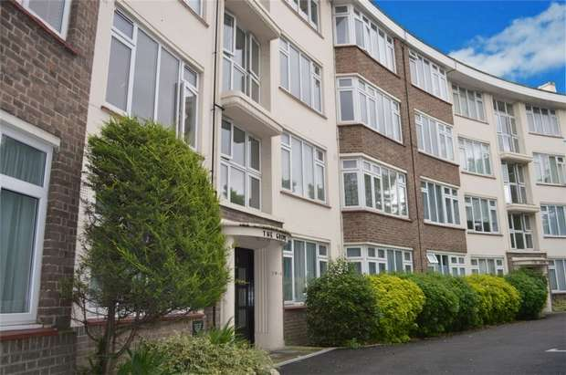 2 Bedrooms Flat for sale in The Grove, St Margarets, Twickenham