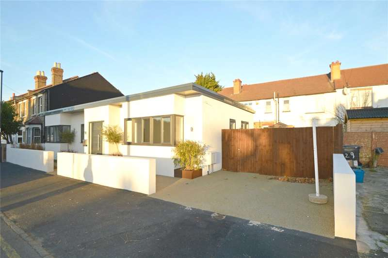 3 Bedrooms Detached Bungalow for sale in Alma Place, Thornton Heath