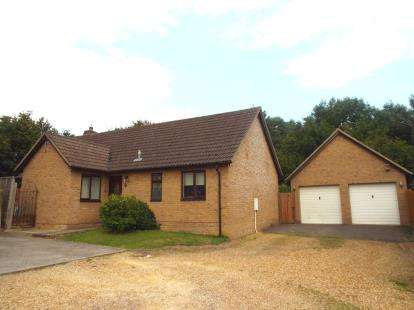 3 Bedrooms Bungalow for sale in Six Mile Bottom, Newmarket, Cambridgeshire
