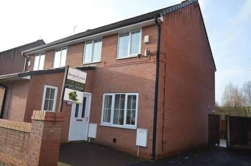 3 Bedrooms Semi Detached House for sale in May Street, Golborne, WA3 3TU