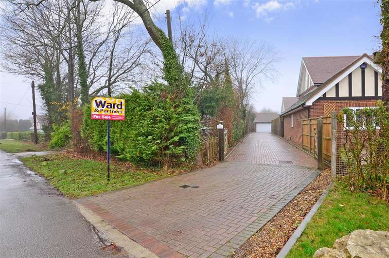 4 Bedrooms Detached House for sale in Kingsingfield Road, West Kingsdown, Sevenoaks, Kent