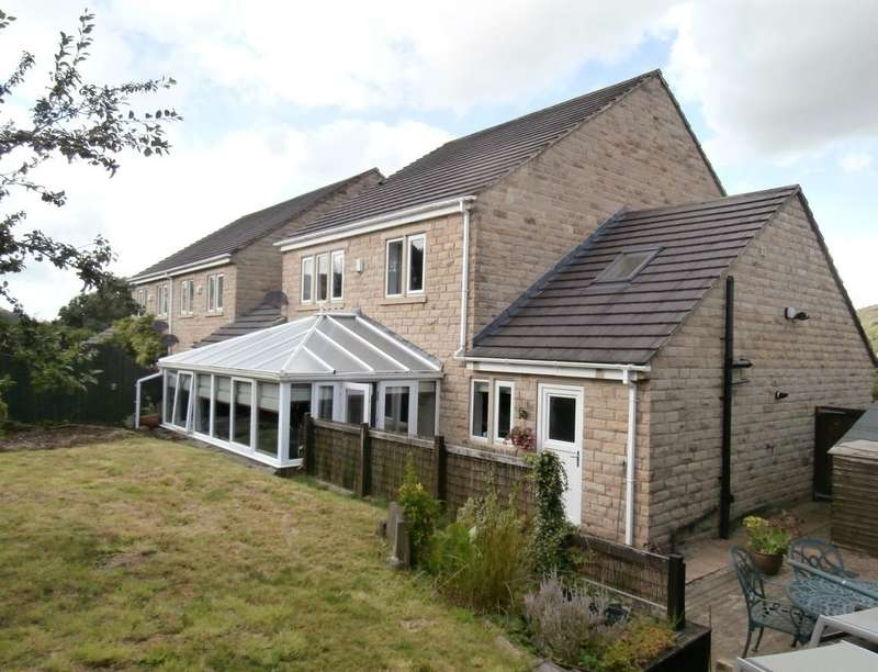 4 Bedrooms Detached House for sale in Birkdale Court, Low Utley, Keighley, BD20