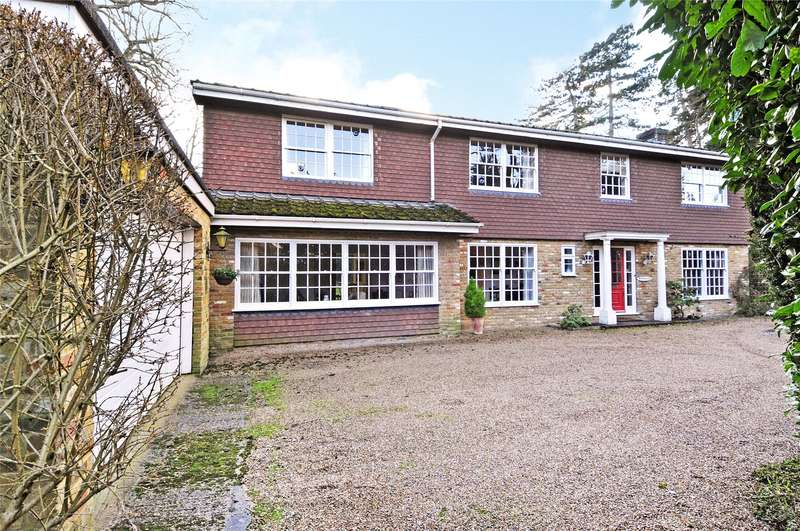 5 Bedrooms Detached House for sale in Cobbetts Hill, Weybridge, Surrey, KT13