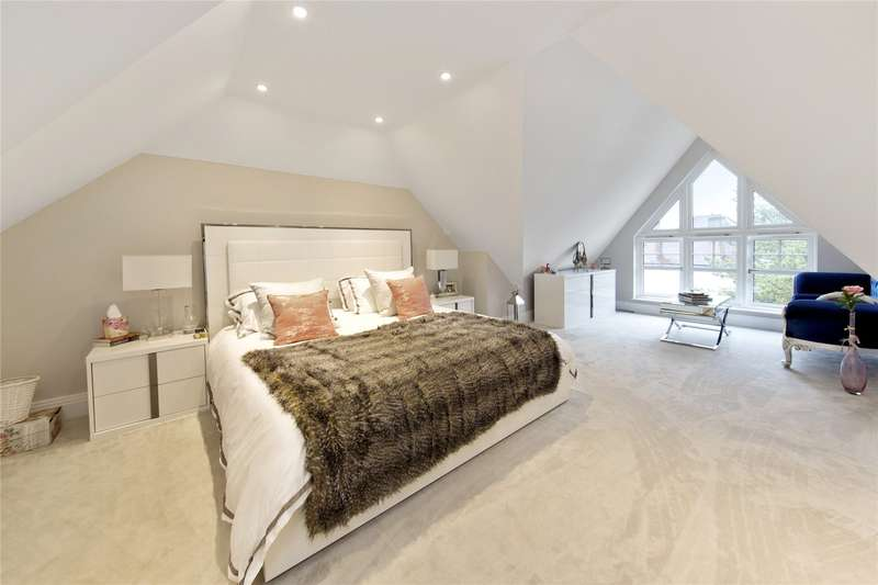 5 Bedrooms Detached House for sale in River Mount, Walton-on-Thames, Surrey, KT12