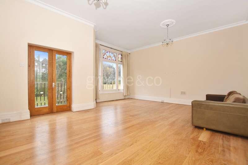 2 Bedrooms Flat for sale in Daleham Gardens, Belsize Park, London, NW3