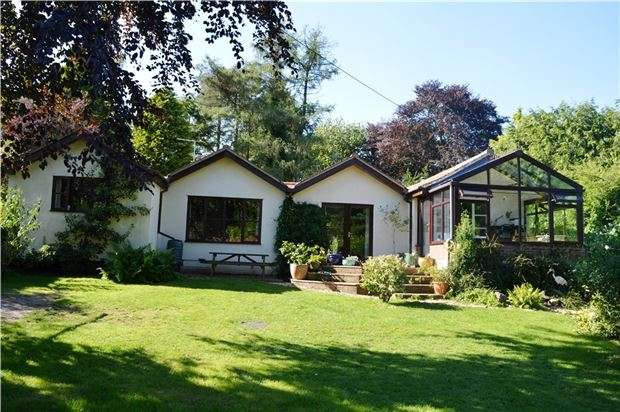 4 Bedrooms Detached Bungalow for sale in Whiteway, Stroud, Gloucestershire, GL6 7EP
