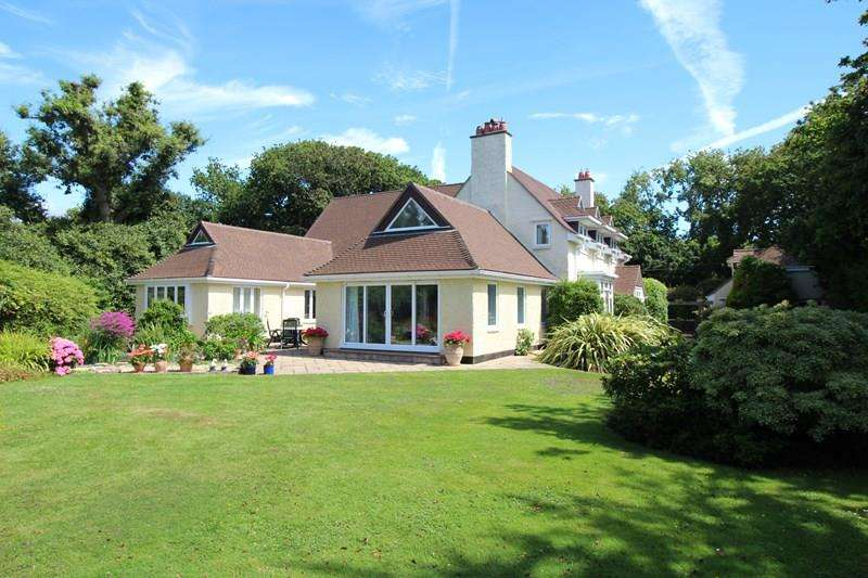 5 Bedrooms Detached House for sale in Barnes Lane, Lymington