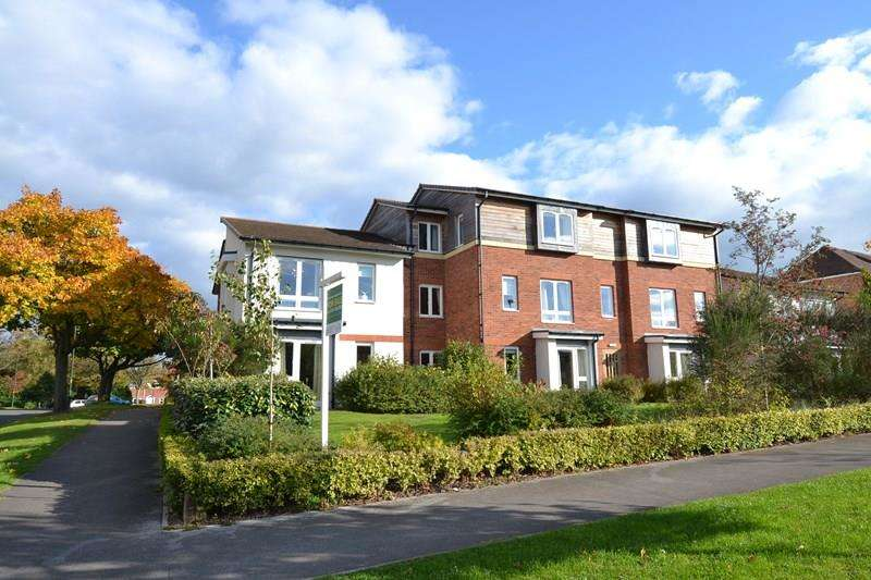 2 Bedrooms Retirement Property for sale in St Nicholas Gardens, Kings Norton, Kings Norton