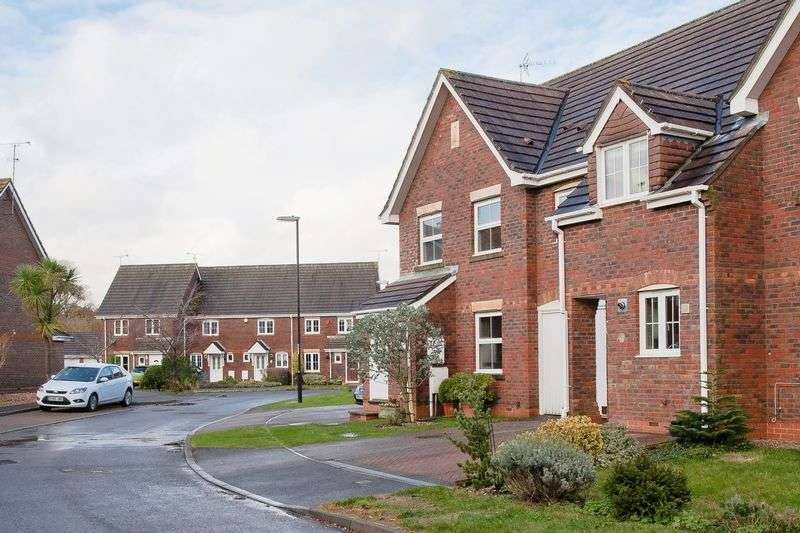 3 Bedrooms Terraced House for sale in The Hornbeams, Burgess Hill