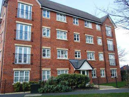 2 Bedrooms Flat for sale in Sale Road, Northern Moor, Manchester, Greater Manchester