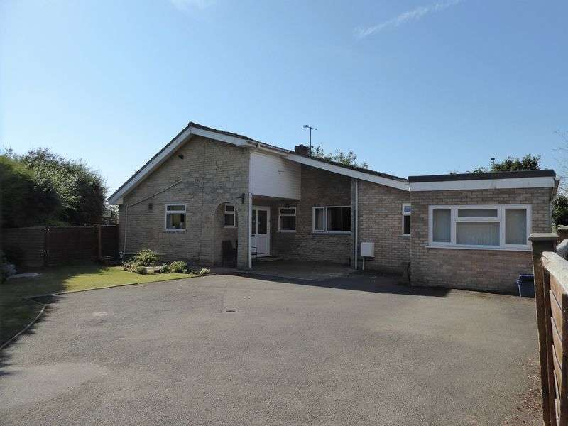 3 Bedrooms Detached Bungalow for sale in Tubb Close, Bicester