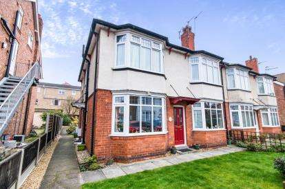 2 Bedrooms Flat for sale in Glentworth Crescent, Skegness, Lincolnshire, England