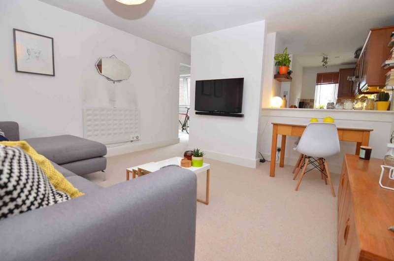 1 Bedroom Flat for sale in Longlands Road, Sidcup, DA15 7NB