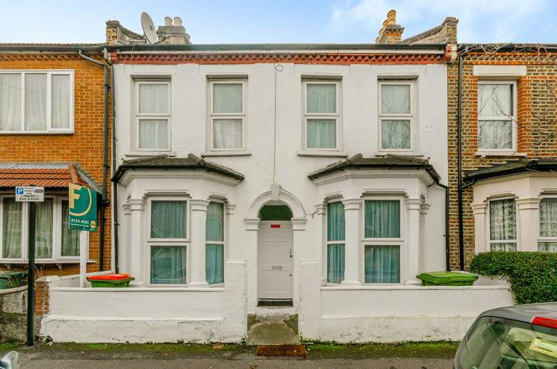 6 Bedrooms Terraced House for sale in Warwick Road, Stratford, E15